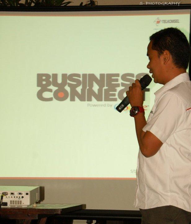 saat mempresentasikan Business Connect tahun 2011 silam