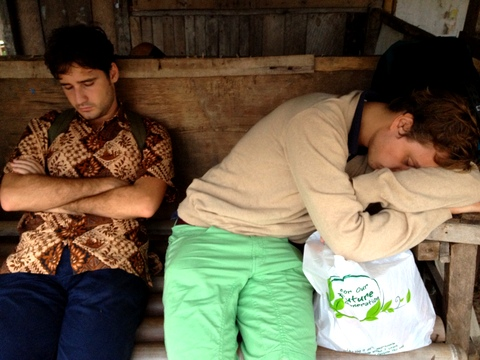 Manuel & Marco, Bloody Tired di Dermaga Canti
