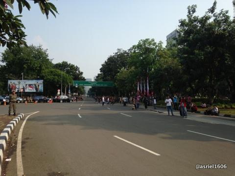 Sebelum Parade dimulai, jalanan tampak lengang