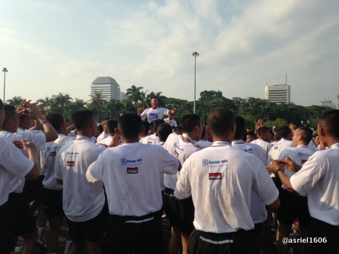 Yel-yel kegembiraan dari kelompok Prajurit TNI