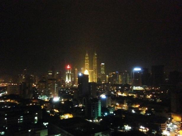 View dari Kamar saya yang menghadap menara Petronas dan KL Tower